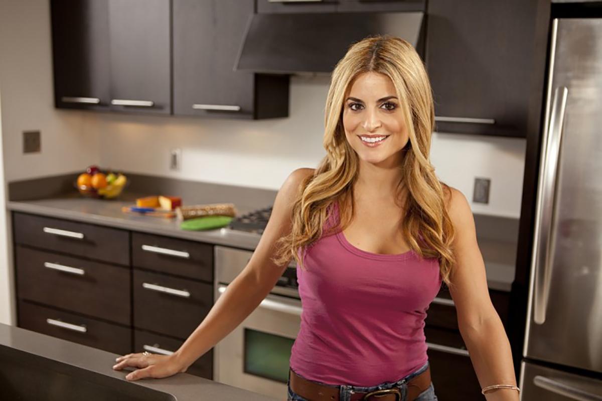 Alison Victoria Crashing Kitchens And Changing Lives Ron Sklar